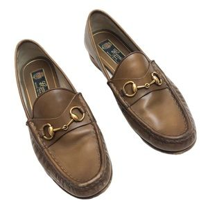 Vintage tan Gucci loafers